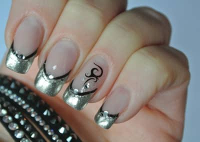 Nagelsytle - crome mirror